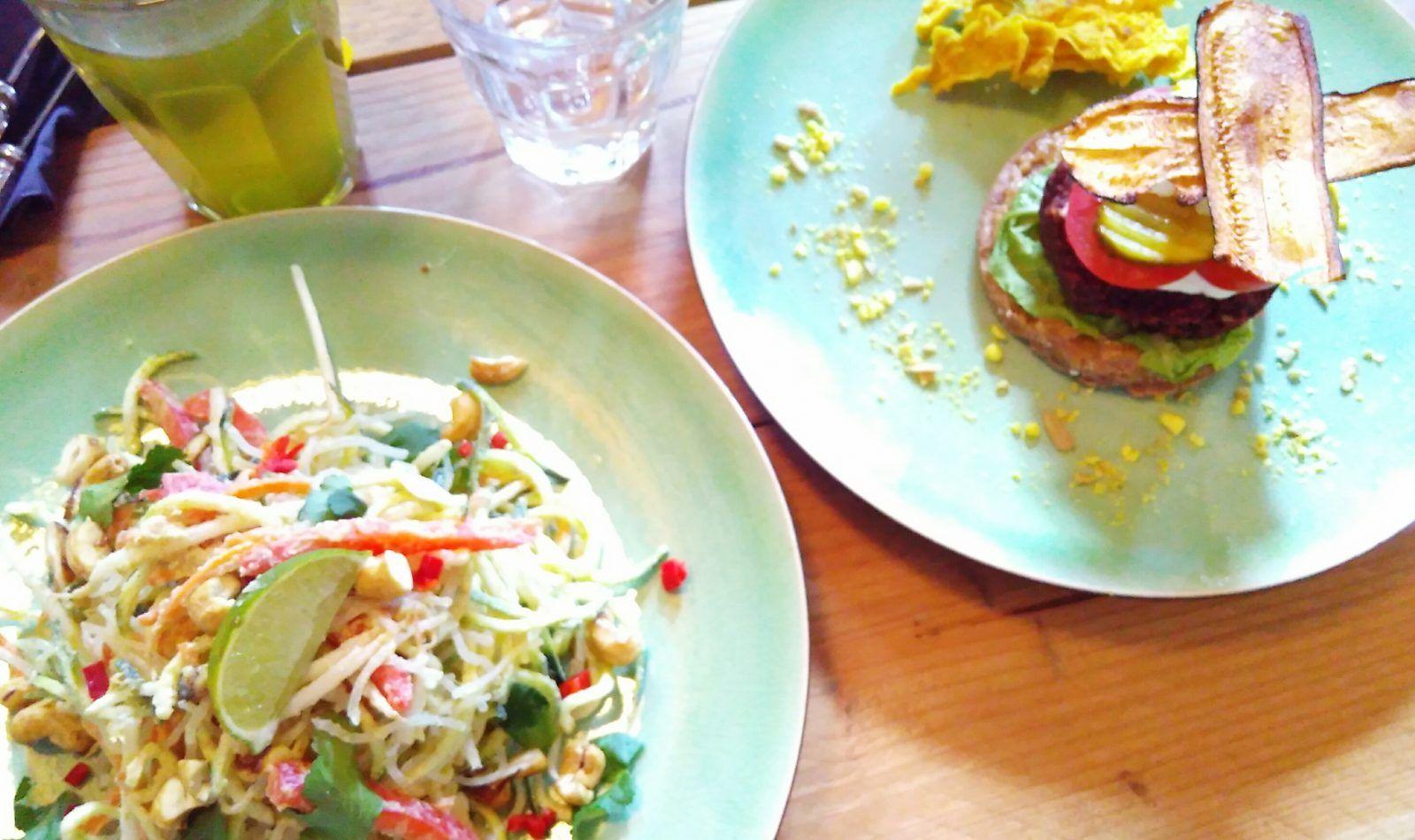 vegan pad thai hamburger zest for life amsterdam raw food cafe