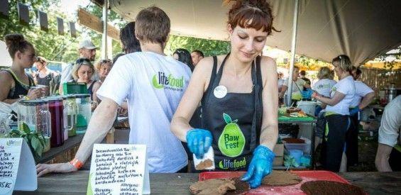 Long read: Bij een internationaal rawfood bedrijf werken? Freya doet het!