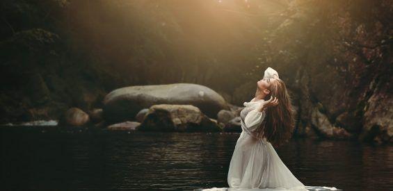 Godin, heks en verleidster: lieve vrouw, je bent het allemaal