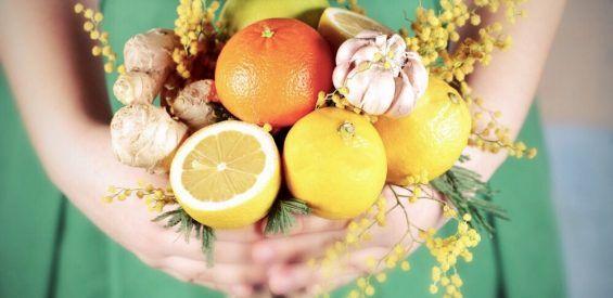 Waarom uitgeputte bijnieren schreeuwen om vitamine C