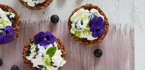 Recept uit A Spoonful of Love: Recept uit A Spoonful of Love: Granola cheesecake cups
