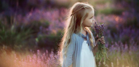 Must read: gedicht over het dappere kleine meisje in jezelf