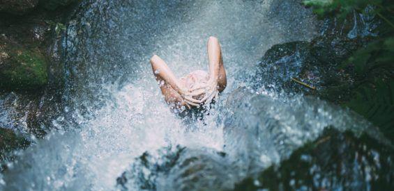 Wetenschappelijk bewezen: koude douche is Holy Grail voor je lijf en geest