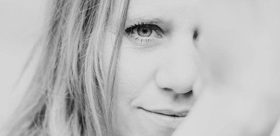De eigenzinnige zwangerschap van Debbie: zonder echo, mét Yoni massage