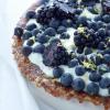Superfoods Heilzame herfsttaart met seizoensfruit blauwe bessen