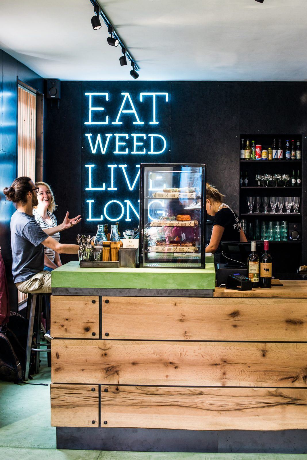 The Joint, dutch weed burger, amsterdam