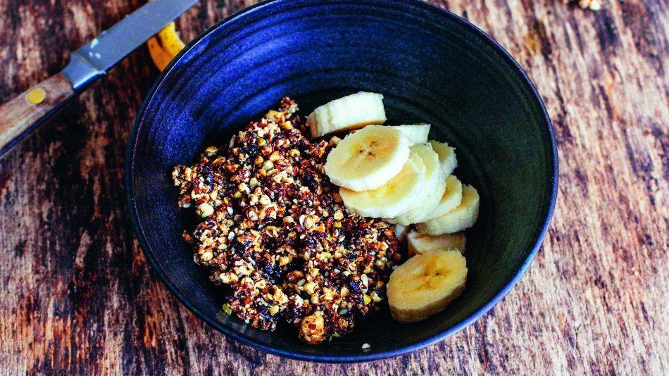 VEG! kookboek, recept rauwe granola met banaan en limoen