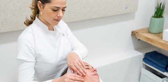 Charley huf, bindweefsel massage amsterdam
