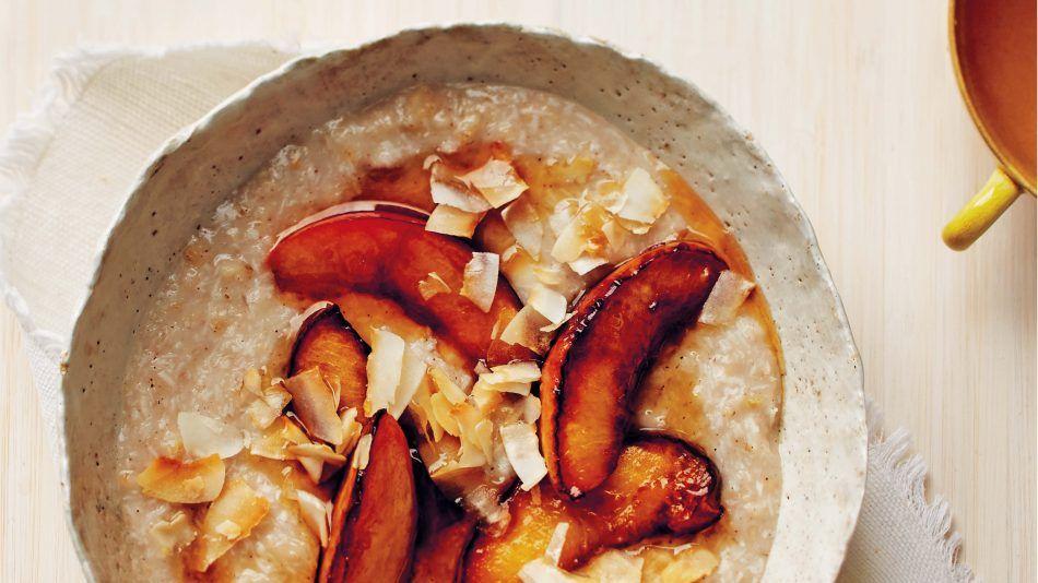 Martha Stewart recept voor een energieboost: vegan kokospudding met nectarines
