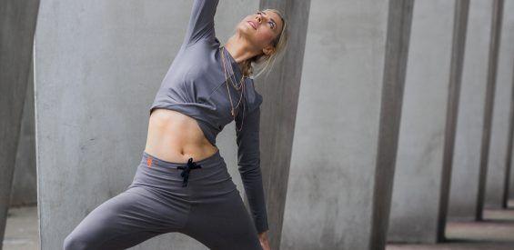 Yogateacher en redactie testten 10 yoga leggings – en dit zijn de beste!