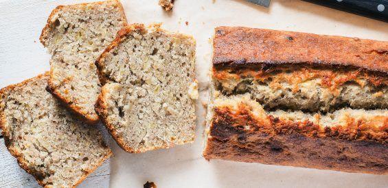 Recept: glutenvrij bananenbrood met pitten en zaden