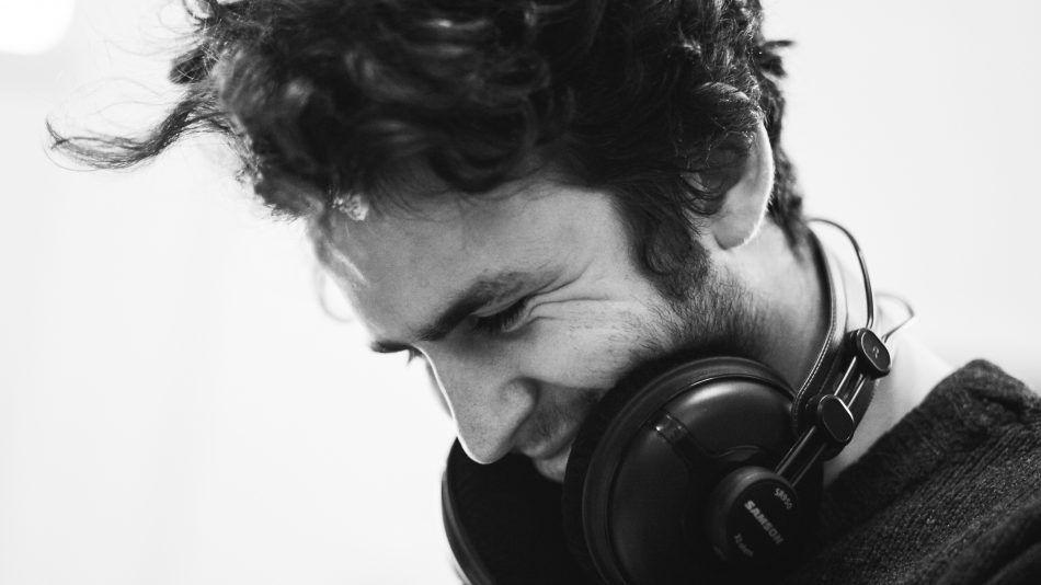 Holistisch huisarts geeft visie op oorsuizen en tinnitus