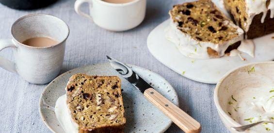 Recept: Glutenvrije courgettecake met vegan glazuurlaagje van kokosyoghurt