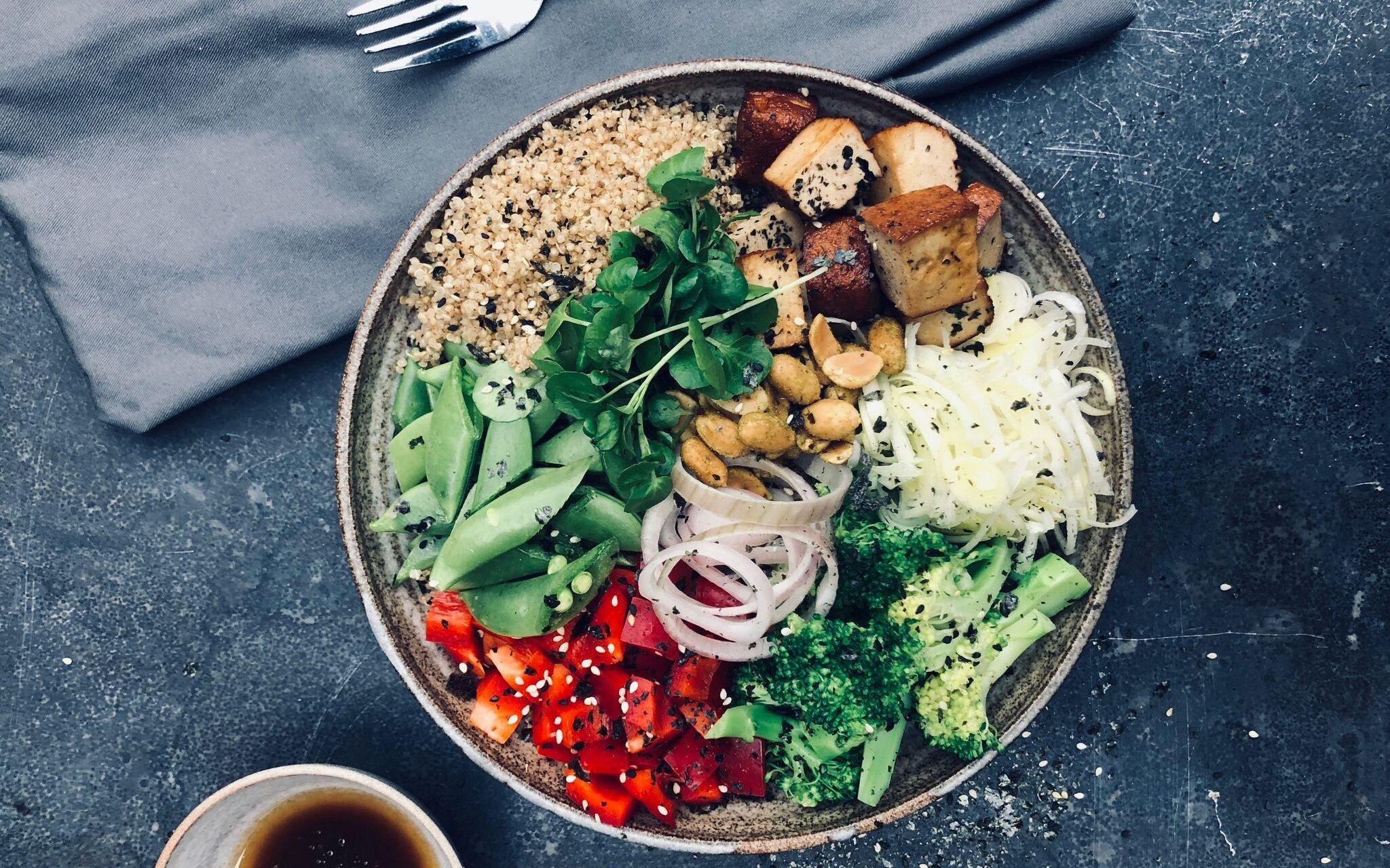 Recept Van Soil Vegan Japanse Wokbowl Met Tofu En Furikaki Strooisel Holistik