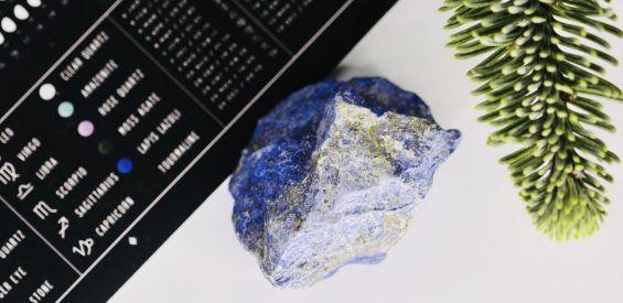 Lapis Lazuli: dit is hoe deze magische blauwe steen jou draagt in december