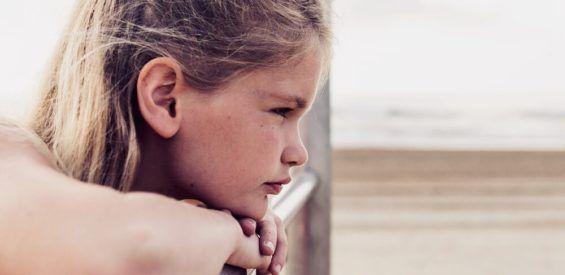 Holistisch kinderarts: dit is hoe stress en boosheid zich vastzetten in het lichaam van een kind