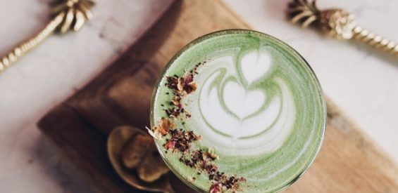 Nieuwe lente, nieuwe latte (met haverdrink en matcha!)