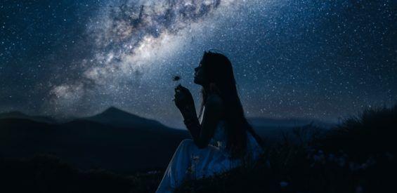 Dit is hoe je jouw energetische frequentie verhoogt met behulp van sterrenvolkeren