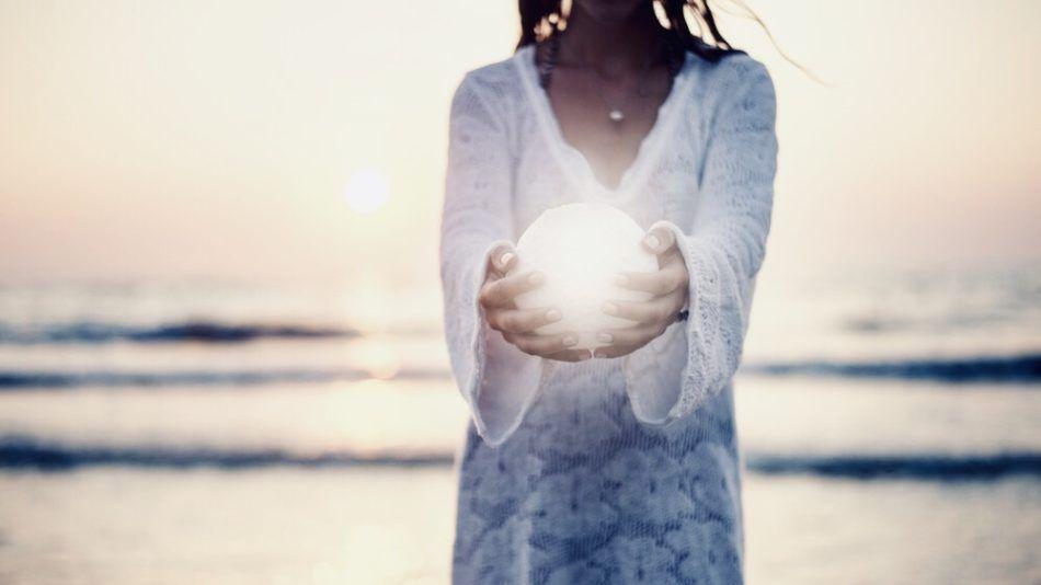 Volg het magische ritme van de maan en kom dichter bij je vrouwelijke natuur