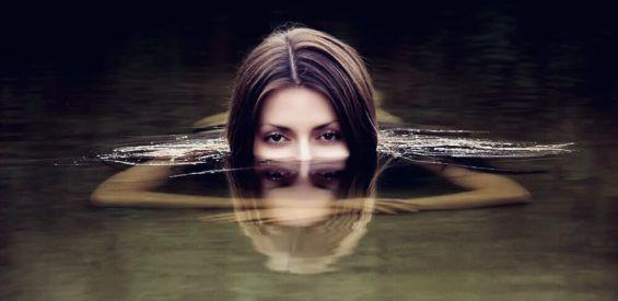 Hoogleraar psychologie legt uit: zo ga je (weer) van jezelf en je lichaam houden