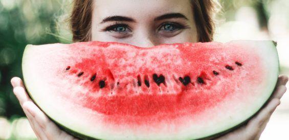 Natuurgeneeskundige therapeut legt uit: met deze voedingsbronnen voed je jouw ziel