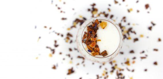 Moon milk: zo maak je dit holistische slaapmutsje in 5 stappen