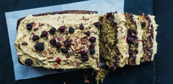 Recept: geneeskrachtige Indian Summer Cake met bramen en tijm
