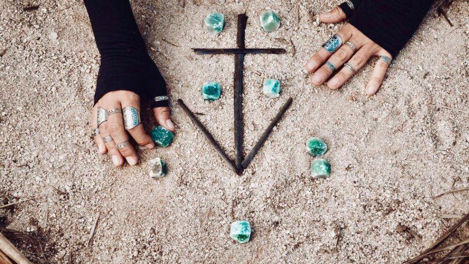 mystieke symbolen, merkaba, ohm, sri yantra, reiki