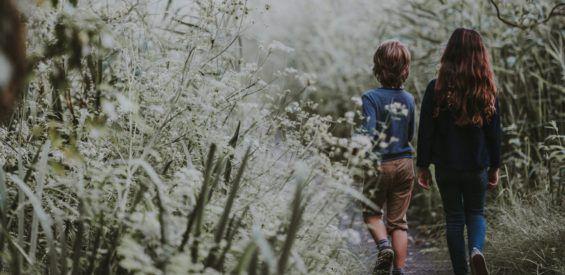 3 (yoga)oefeningen voor een mindful herfstvakantie met je kind