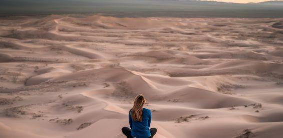 Het achtvoudige pad van Patanjali: deze 8 levenslessen geeft de yoga filosofie jou mee
