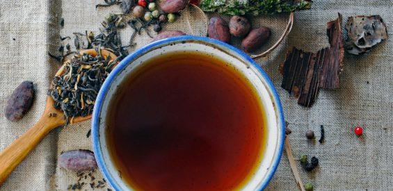 Déze 3 medicinale theesoorten versterken jouw weerstand in de herfst