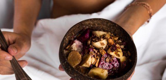 WIN: 5 x 1 maand glutenvrije ontbijtjes van Eat Natural met crispy boekweit granola