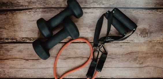 Déze 8 online platforms houden je fit nu de sportscholen zijn gesloten