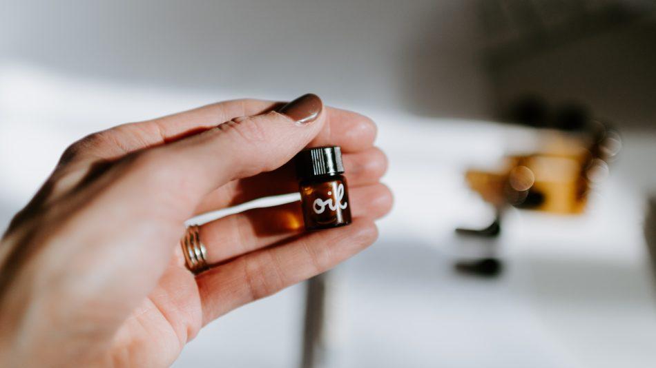 corona essentiele olie