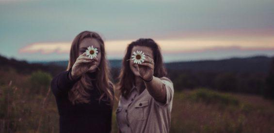 Vrouwencirkel: zo verbind je je samen met een oeroud krachtenveld