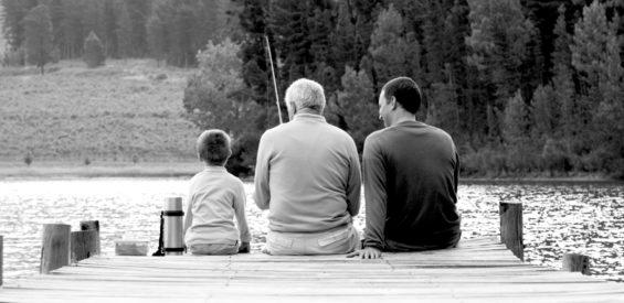 Familiesystemen-expert: je wordt pas écht volwassen als je kind van je ouders durft te zijn