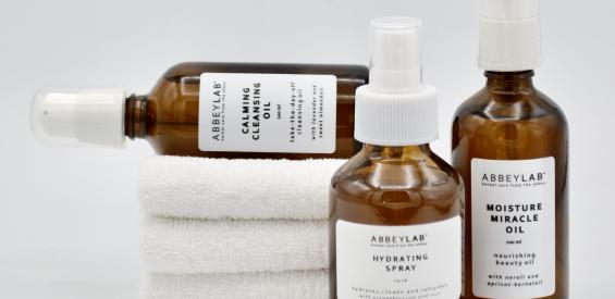 Verlopen – WIN: Essential Care set van abbeyLAB t.w.v. €95 met botanische ingrediënten uit de abdij