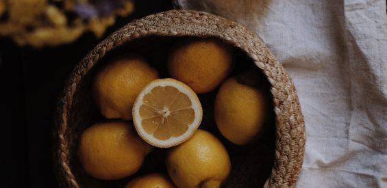Essentiële citroenolie: zo verdrijf je het laatste restje winter uit je huis én hoofd