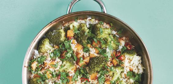 Bakplaat recept met Thaise twist: pompoen met kleefrijst, broccoli en kokosmelk