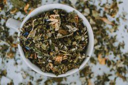 opgeblazen gevoel thee