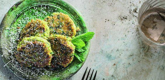 Recept: tuinbonenpannenkoekjes met parmezaanse kaas (tjokvol vitamine B!)