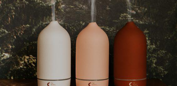 WIN: Aroma diffuser + essentiële olie van The Spirit Junkies t.w.v. €105