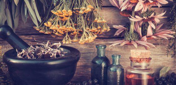 Ontdek de alchemist in jezelf met déze 3 mood oil recepten