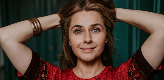 Mooi haar na je 40e? Deze 5 holistische tips helpen je op weg