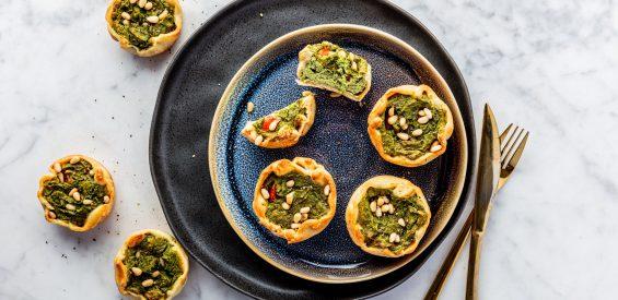 Vegan recept: mini quiches met tofu en Italiaanse kruiden voor bij de borrel