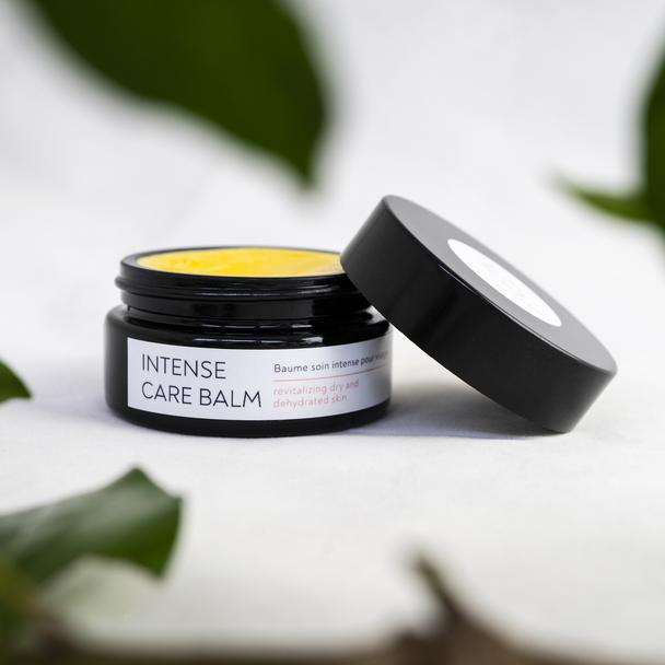 naturaw skincare balm