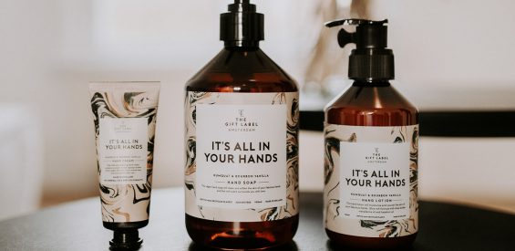 Verlopen – WIN: 3 x stylish & sustainable handcare set van The Gift Label t.w.v. €32