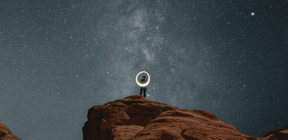 Astroloog: zo onthult planeet Cheiron de pijn én de heelmeester in jou
