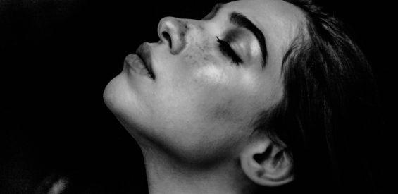 Collageen: dit is waarom je huid er naar snakt in combinatie met Vitamine C en Hyaluronzuur